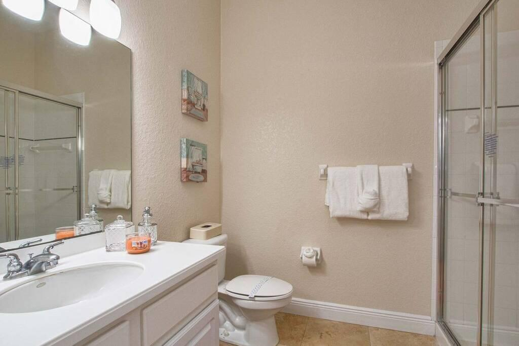 4405 lucaya loop#405 Bathroom