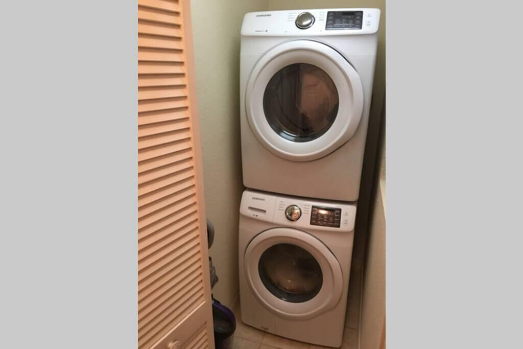 4405 lucaya loop#405 Washer/Dryer